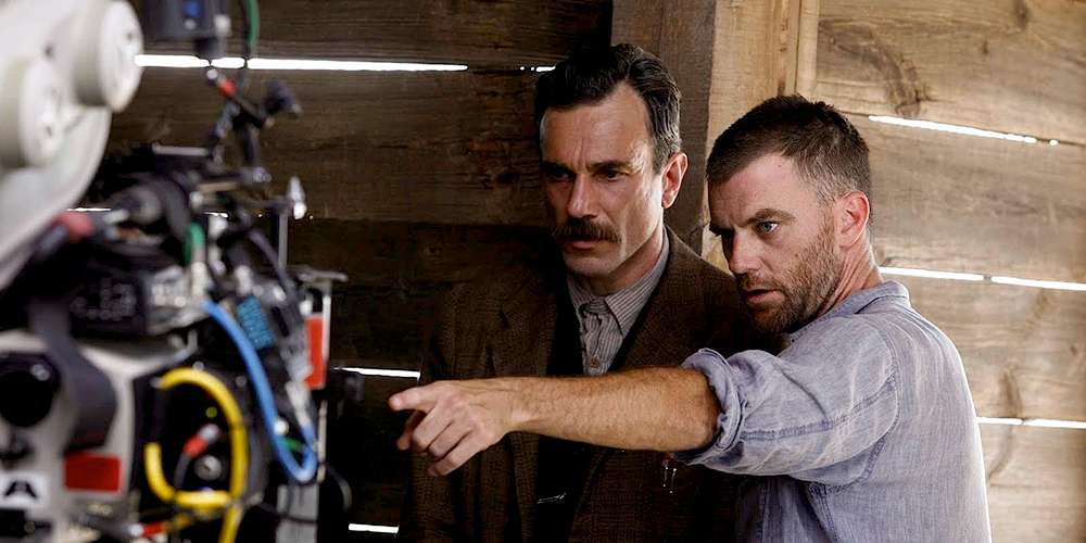 "Paul Thomas Anderson directing Daniel Day-Lewis in ""There Will Be Blood"""
